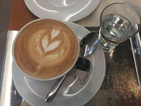 Luhacovice, República Checa: Cappuccino u snídaně není v ceně
