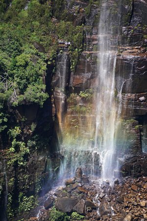 Blackheath, Australien: Rainbow at the foot of the falls