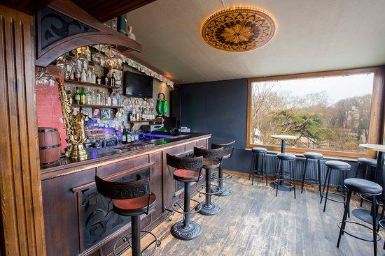 Cheers Hostel: Bar