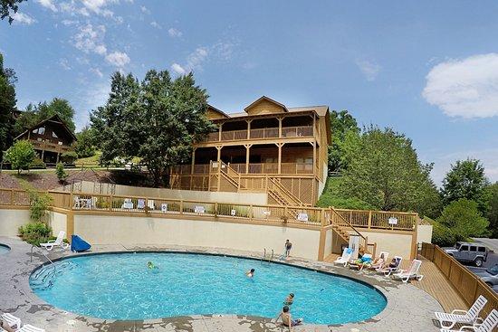 Pool - Picture of Eagles Ridge Resort, Pigeon Forge - Tripadvisor