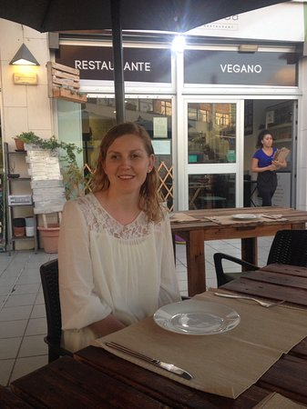 Fanabe, Spanien: Table service at the terrace