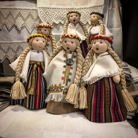 Riga Region, لاتفيا: Singing dolls LIGAS