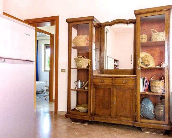 Valderice, İtalya: Appartamento Grande: soggiorno con angolo cottura