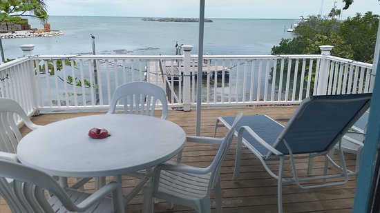 Captain Pip's Marina & Hideaway: Private deck off Osprey. Only room with a deck.