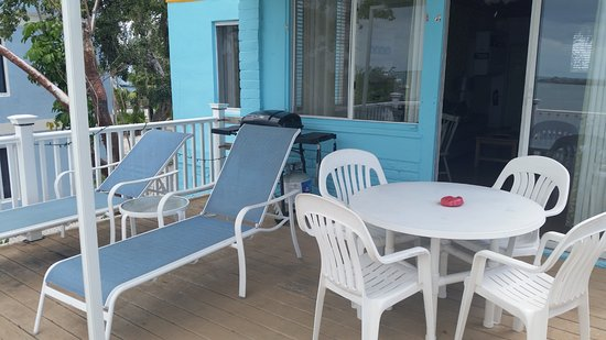 Captain Pip's Marina & Hideaway: Morning coffee on your deck in Osprey apt.