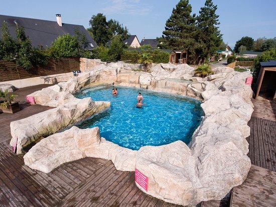 Villerville, França: Petite piscine extérieure