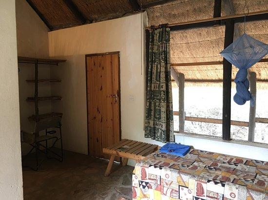 Hwange, Zimbábue: Twin room interior