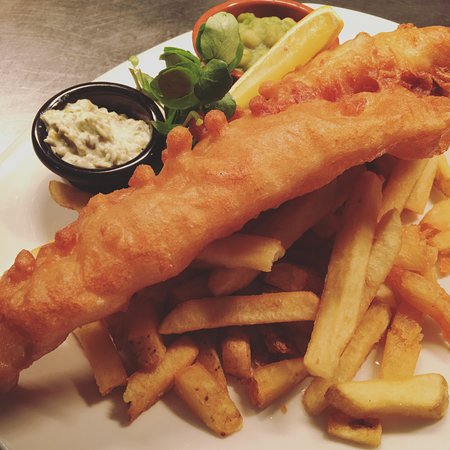 Oxhill, UK: Beer Battered Cod, Pea Puree, Hand Cut Chips and Tartar Sauce