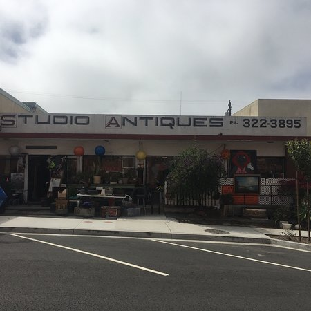 El Segundo, CA: LOTS of stuff! Pickers paradise