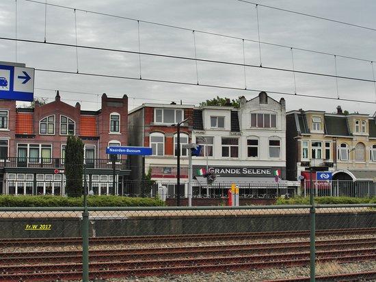 Provinciaal Monument Station Naarden-Bussum uit 1926