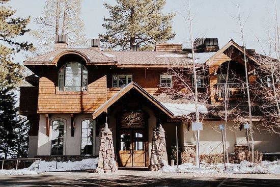 Homewood, CA: Front of our Restaurant & Inn