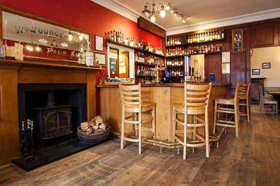 Kinlochewe, UK: A friendly informal bar and restaurant serving freshly cooked real ales,100+Malt Whiskies.