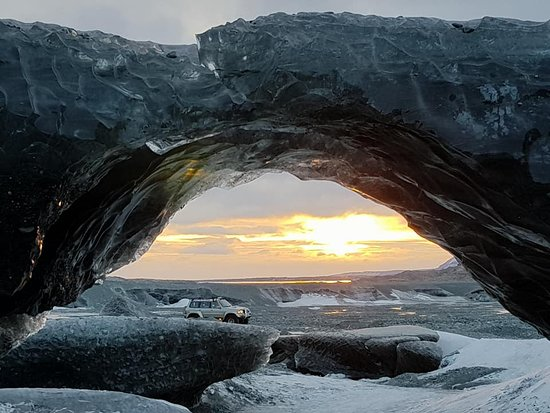 Hofn, Islandia: The sun going down