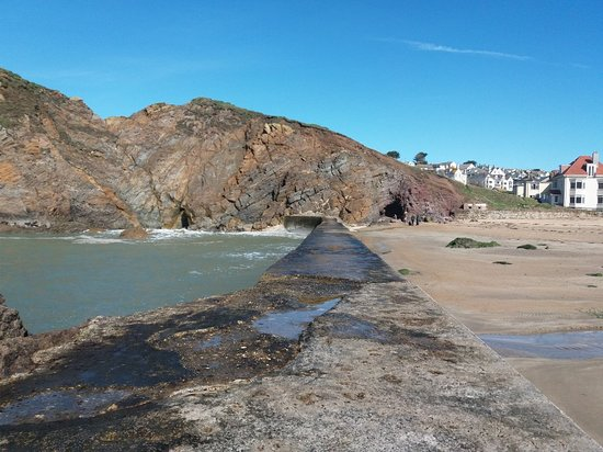 Hope Cove, UK: 20180313_120556_large.jpg