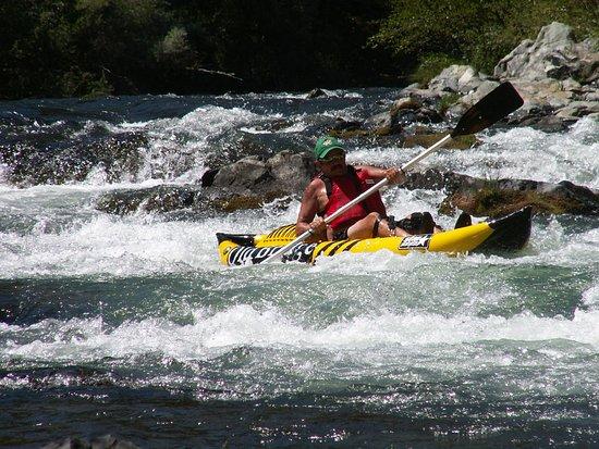 Lewiston, Kaliforniya: Bro on the water.