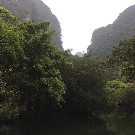 Trang An Grottoes: photo3.jpg