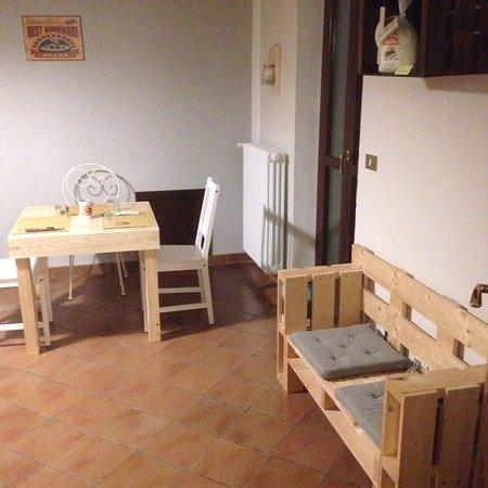 Mongardino, إيطاليا: Locale superiore