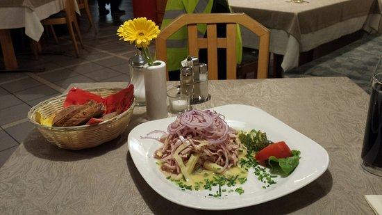 Gottmadingen, Germania: Wurstsalat mit Käse