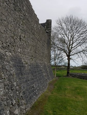 Athenry Castle: The wall!