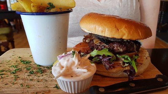 Leadburn Inn: Beef Burger with Haggis