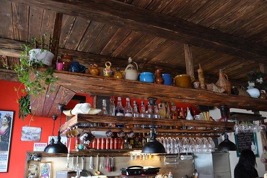 Lucenec, سلوفاكيا: V bare si pochutnáte na španielskych špecialitách, výbornej káve i drinkoch