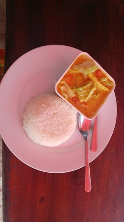 Phi Phi Paradise Pearl Resort : curry with rice
