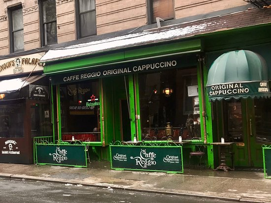 Caffe Reggio: Outside