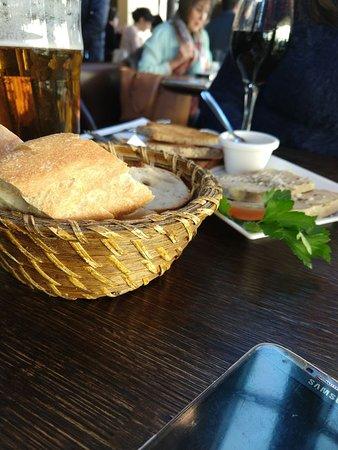 Le Comptoir du Pantheon : Ótima opção de restaurante próximo ao Jardim de Luxemburgo.