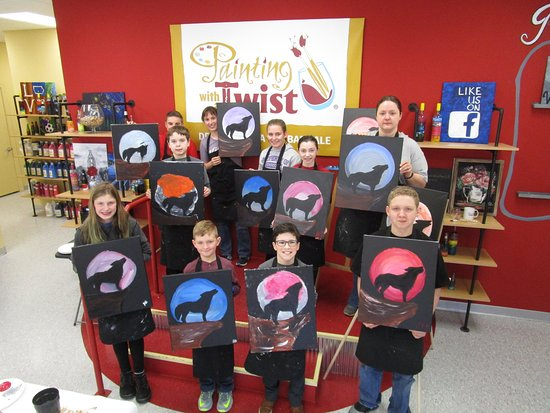 Urbandale, Αϊόβα: Kids' painting classes at Painting with a Twist