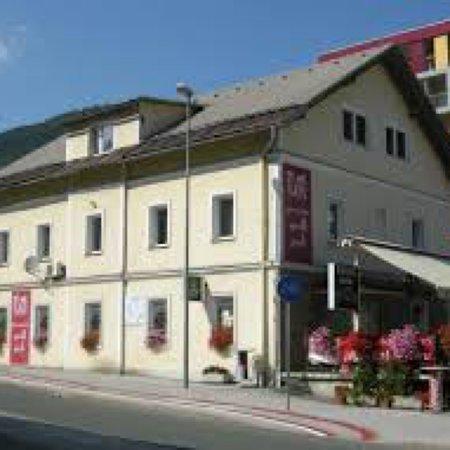 Jesenice, سلوفينيا: Pizzerija And Gril Rondo