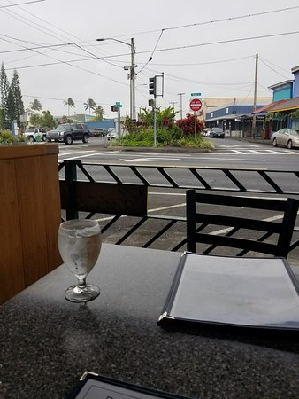 Pineapple 39 s island fresh cuisine hilo ristorante for 416 americana cuisine
