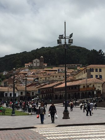 Plaza de Armas (Huacaypata): Weekday was not crowded