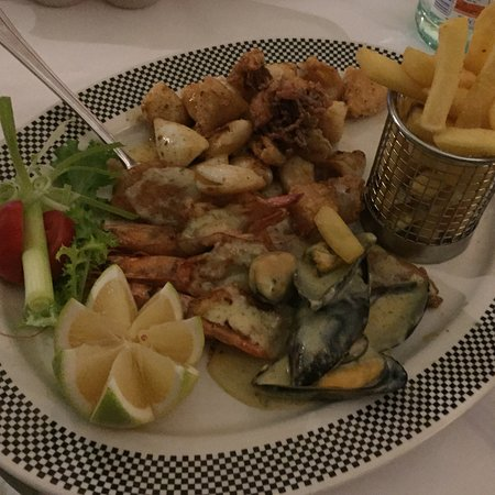 The Bull Run Restaurant: These are the dishes we had on two occasions
