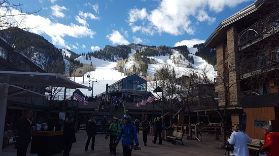 Aspen Mountain / Ajax : A view from the town