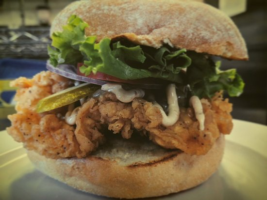 Langford, Canada: Crispy Chicken Chipotle Burger