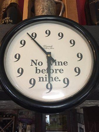 Nehalem Bay Winery: Cool Clock!