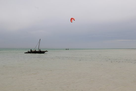 Uhuru Kite Zanzibar: Myself and Leo Holland in the distance