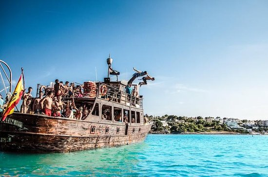 Bay of Palma Pirate Ship Party...
