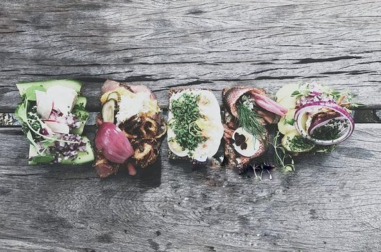 LEARN TO MAKE DANISH SMØRREBRØD