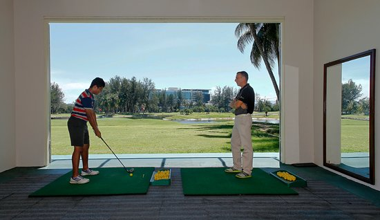 Sabah, Malasia: Learn Golf in our Golf Studio
