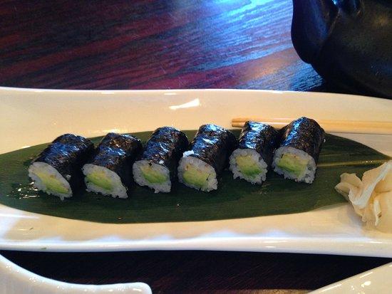 Sapporo Woodbury: Avocado Roll