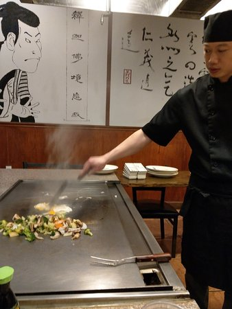 Fuji Hibachi Steak House and Sushi Bar: Chinese Cook