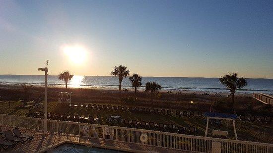 Dunes Village Resort: 20180309_070419_large.jpg