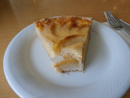Wallisellen, Switzerland: A slice of apple torte
