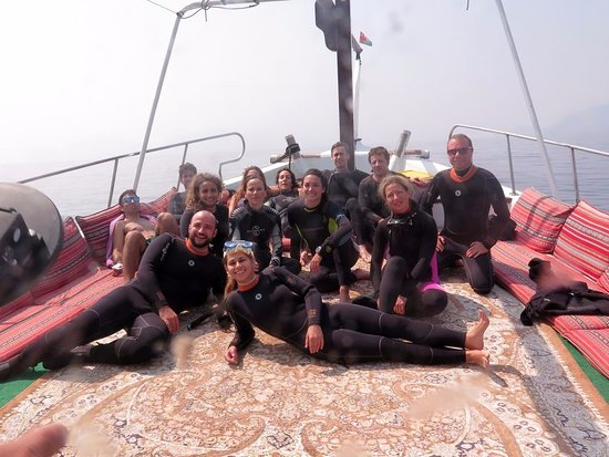 Sheesa Beach Dive Centre: Diving group photo on the dhow boat