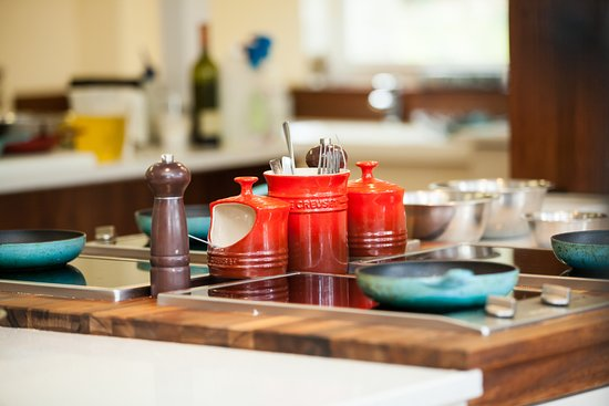 Darley Dale, UK: Miele and Le Creuset equipment thoughout