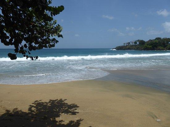 Black Rock, Tobago: grafton beach