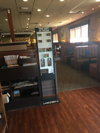 Carrabba's Italian Grill: Reception area
