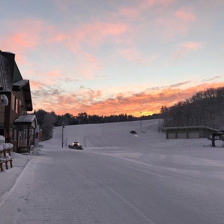 Akakuraonsen Ski Areas