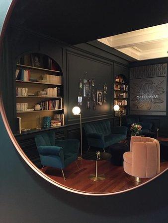 hotel mercure bayonne centre le grand hotel maintenant 90 au lieu de 1 1 9 voir les. Black Bedroom Furniture Sets. Home Design Ideas